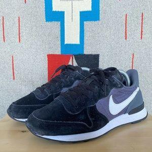 2014 Nike Women's Internationalist Black Shoes